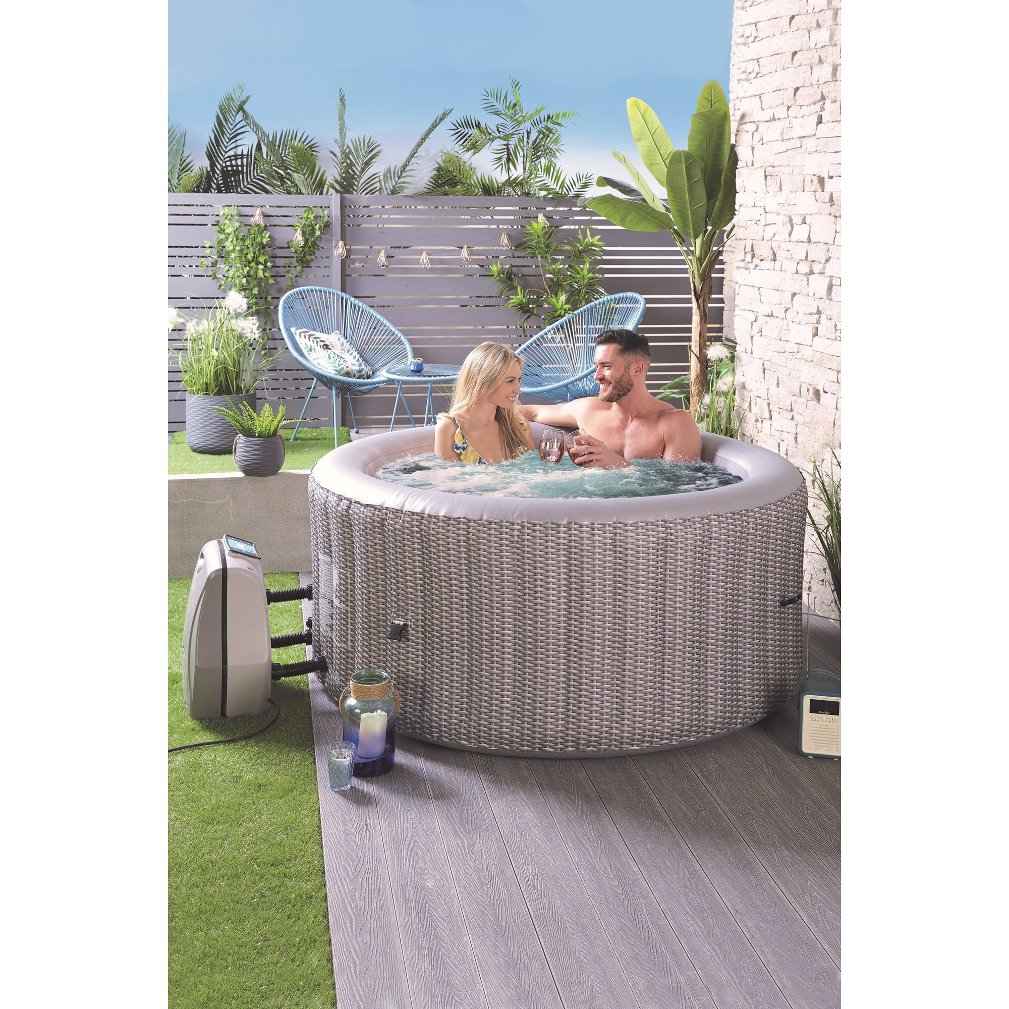 Image of 4 Person Round Rattan Effect Spa