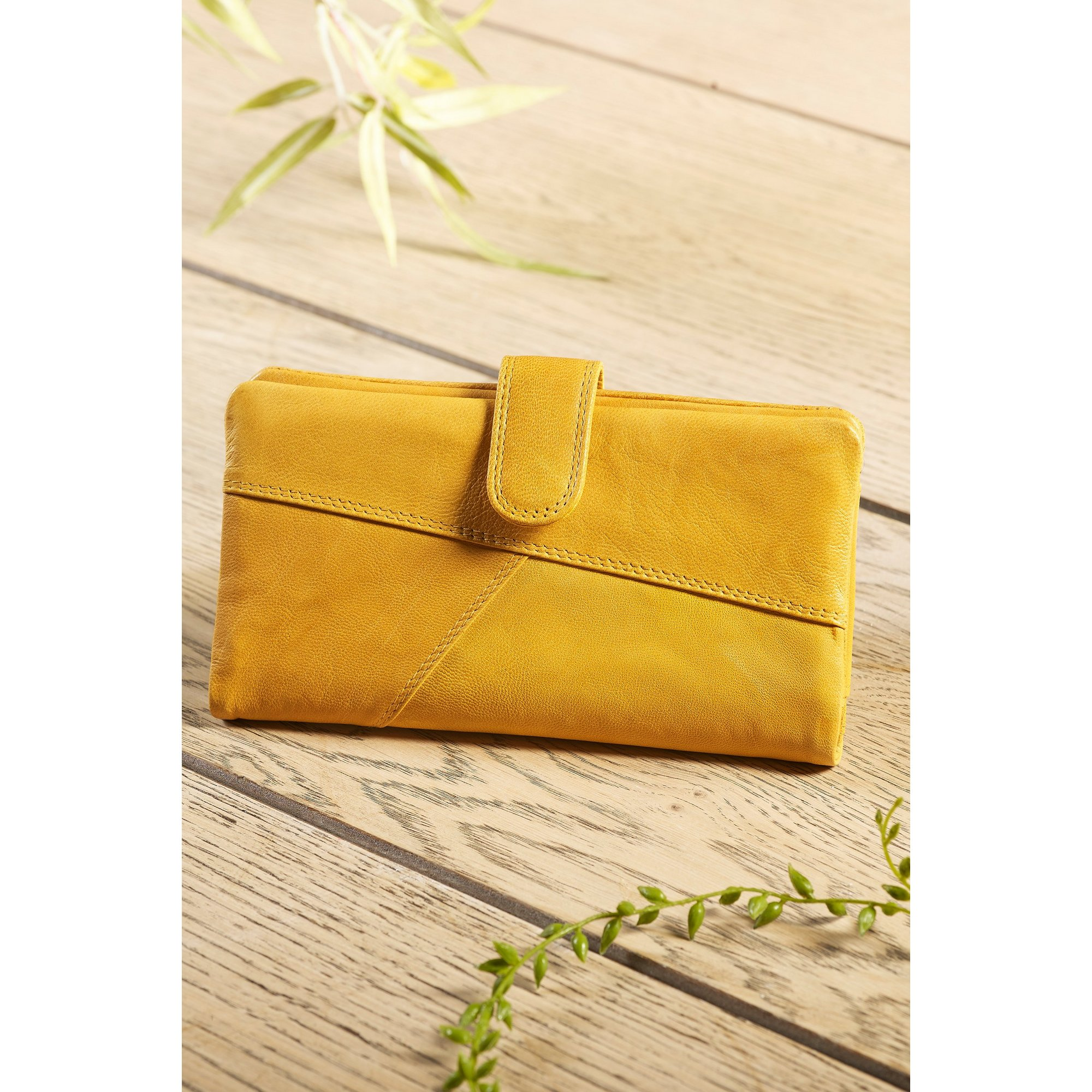 Image of Crumble Collection RFID Large Leather Tab Purse Boxed