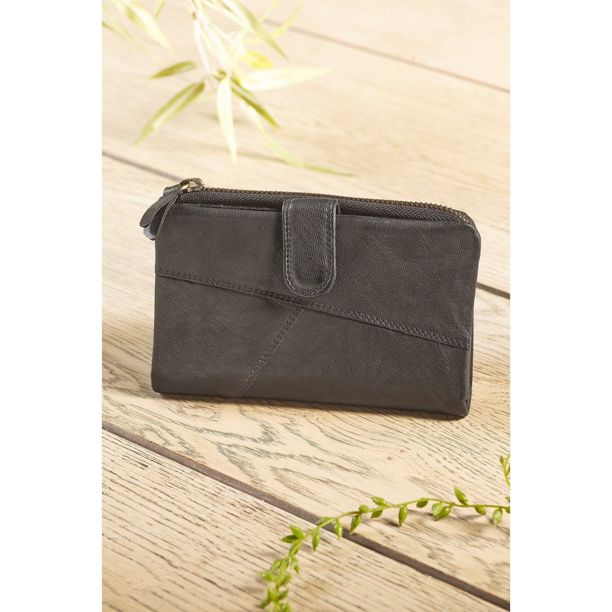 Image of Crumble Collection RFID Medium Leather Tab Purse Boxed