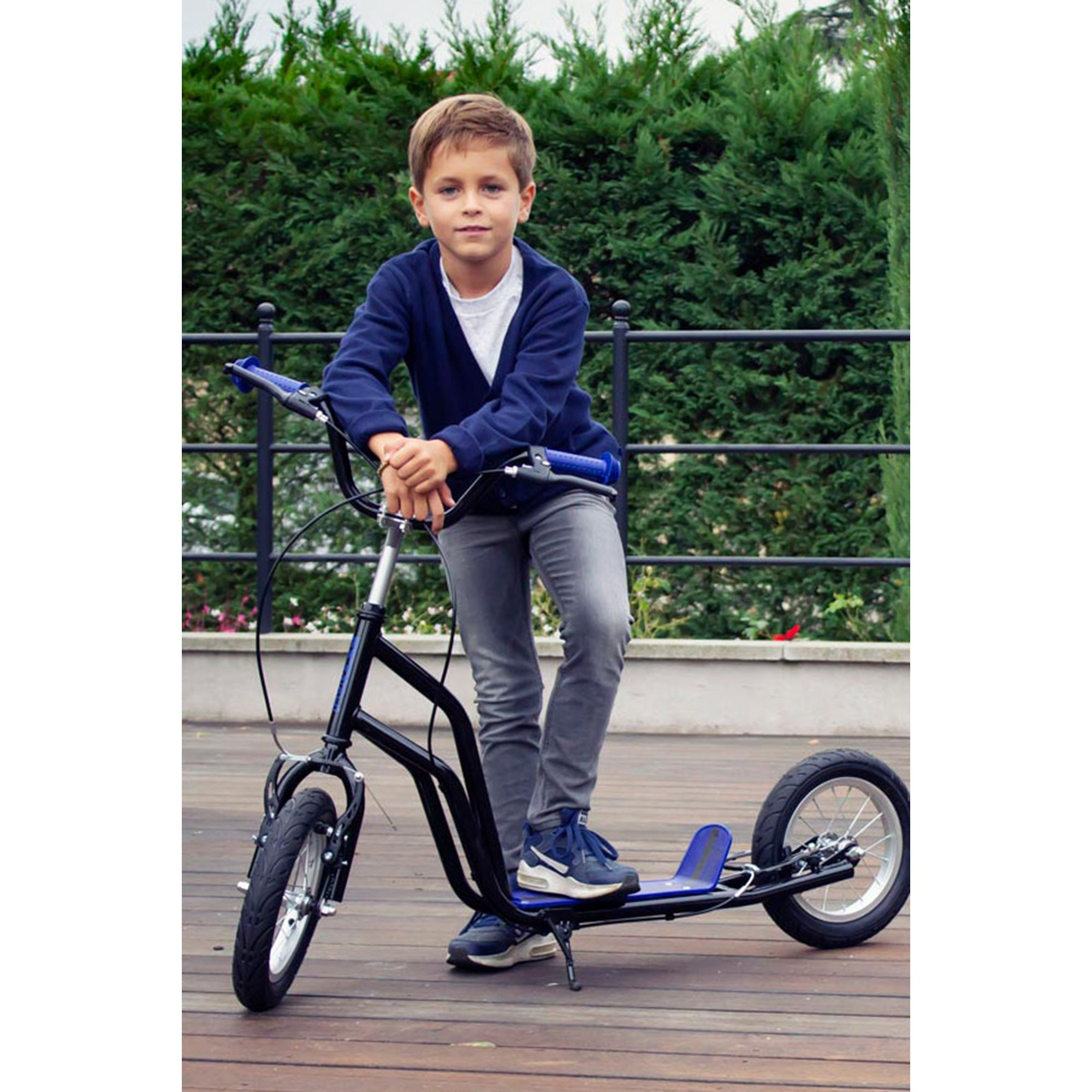 Image of Funbee Cross Scooter with 12-Inch Inflatable Tires and Double Brake