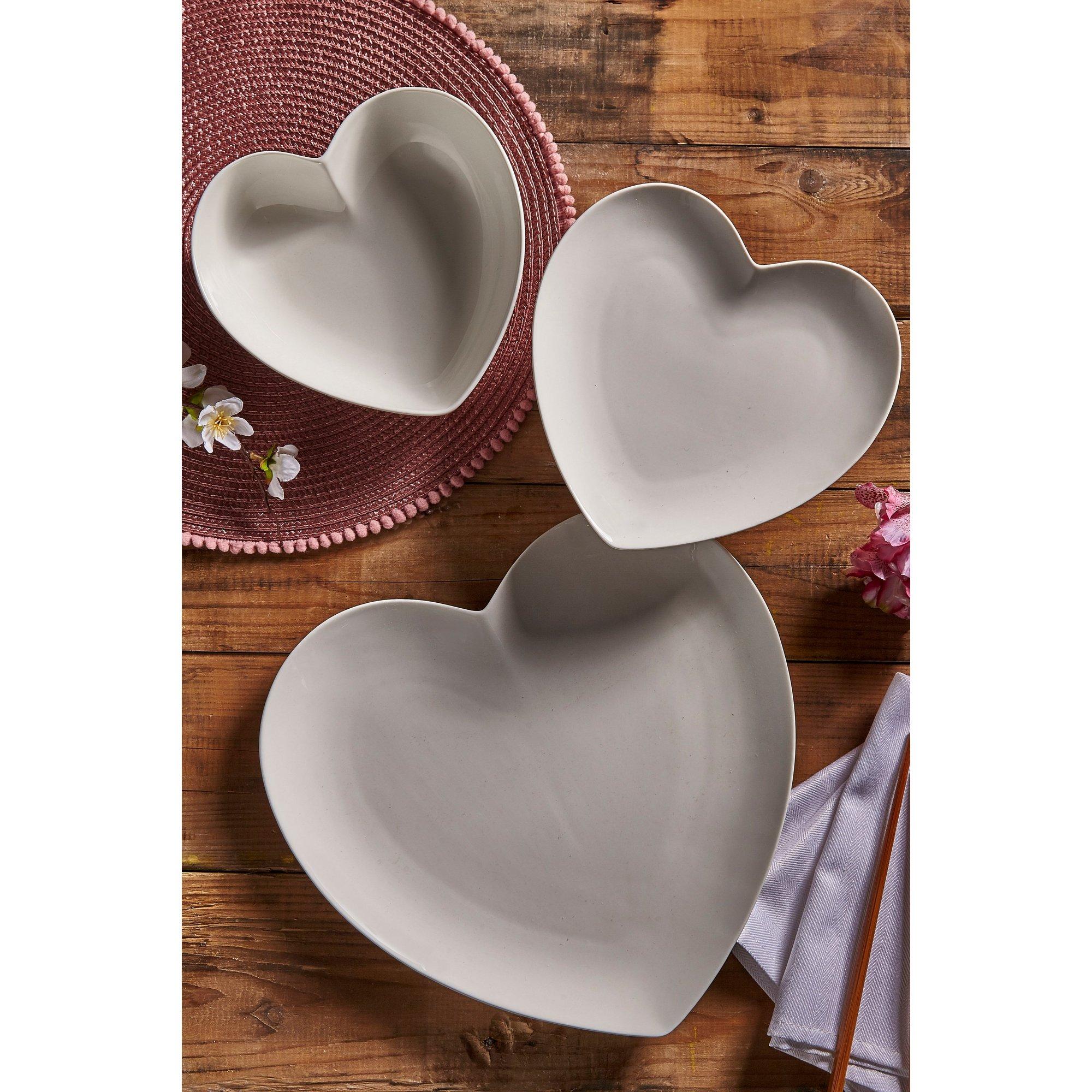 Image of 12 Piece Porcelain Heart Dinner Set