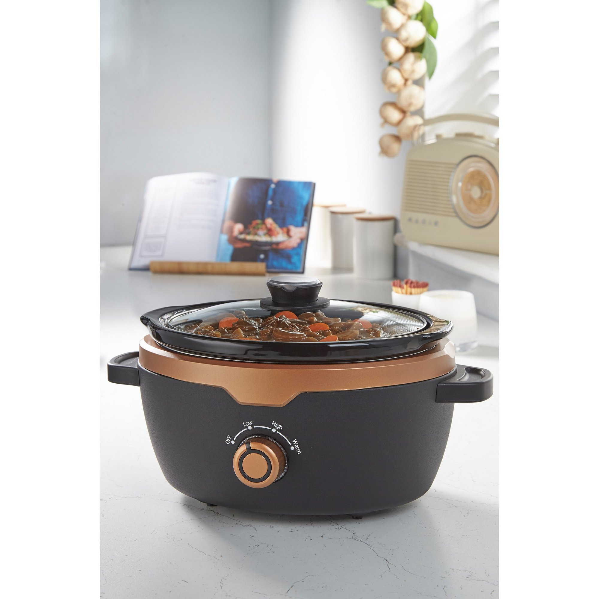 Image of 3.5 Litre Slow Cooker - Black/Copper