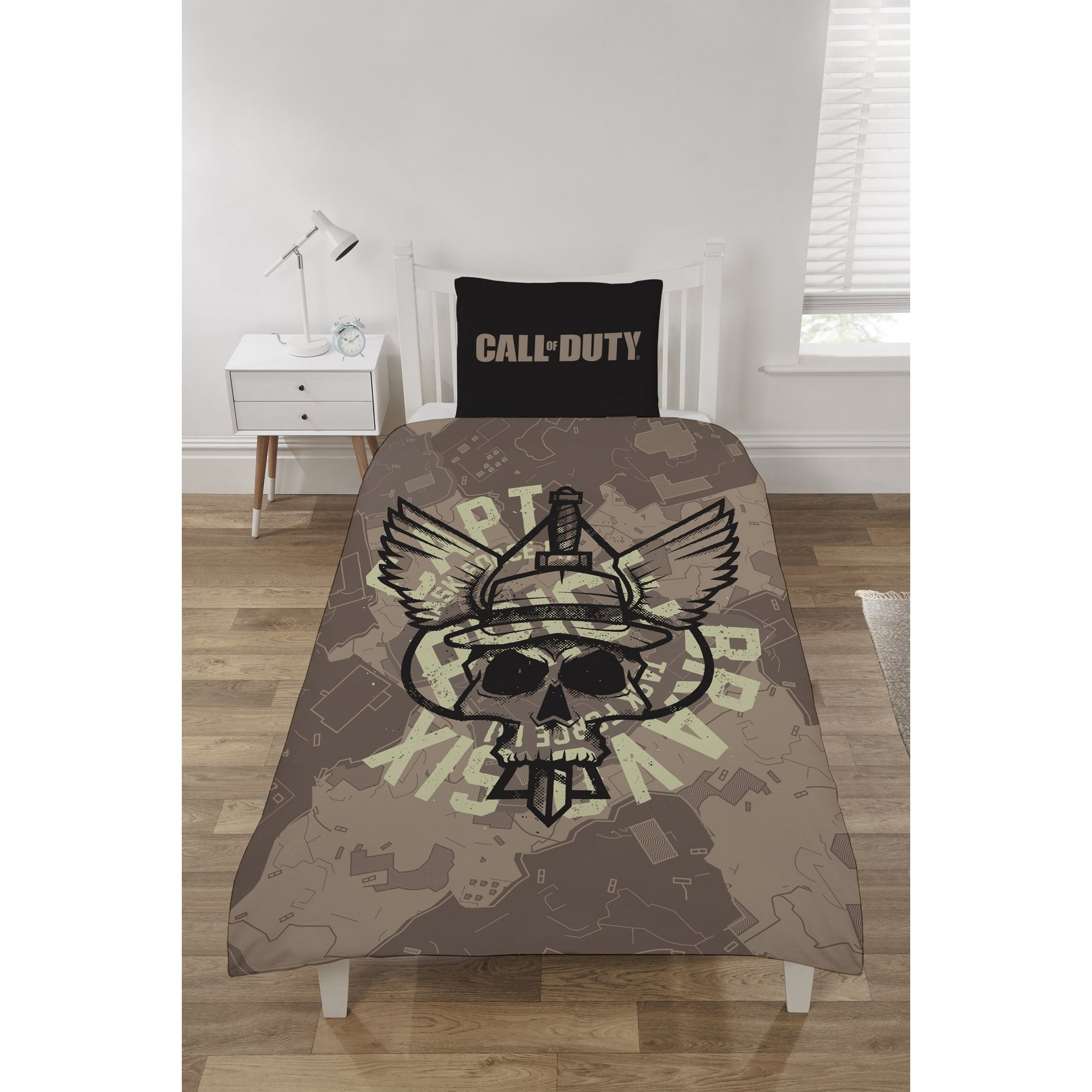 Image of Call of Duty Captain Price Reversible Duvet Set
