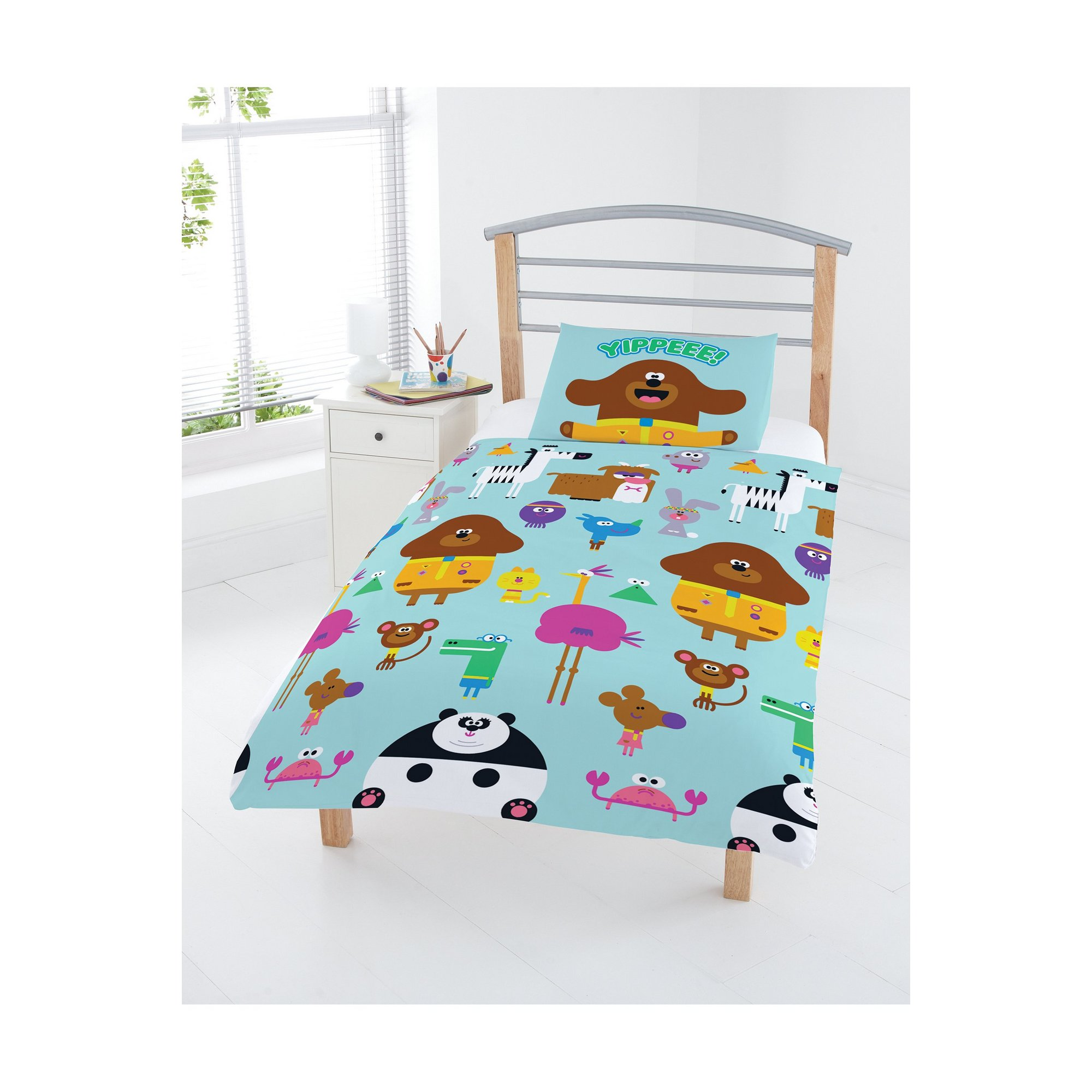 Image of Hey Duggee Animals Junior Reversible Duvet Set