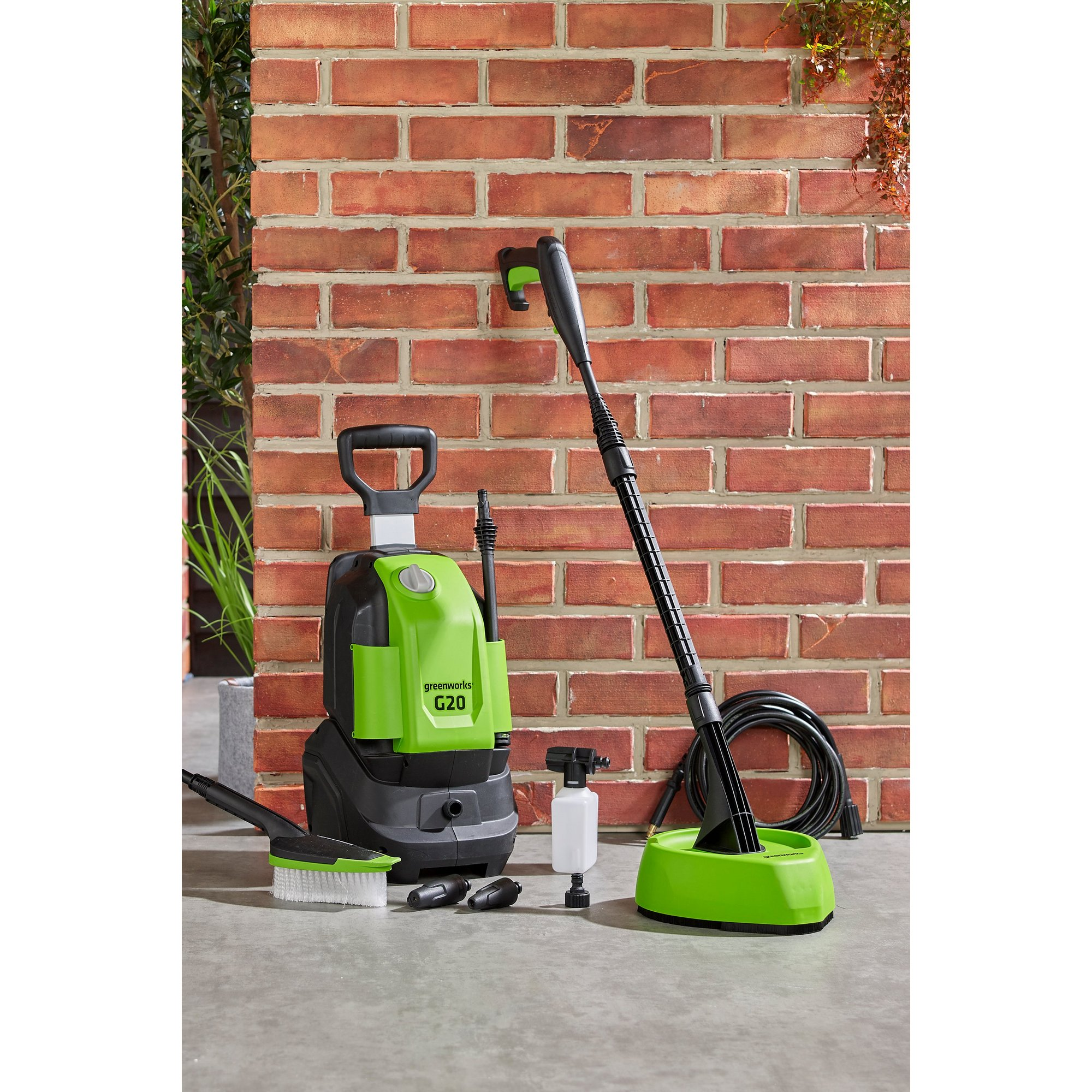 Image of Greenworks 110 Bar G20 Home and Car Pressure Washer