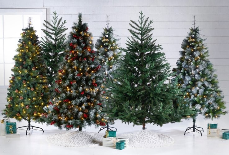 Christmas Tree Decorated.Christmas Shop Festive Decorations Trees Gifts Studio