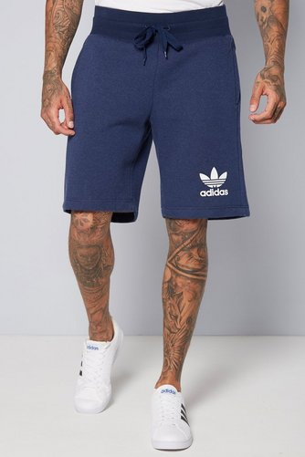 huge selection of c0d42 533b8 Image for adidas Originals Shorts from studio