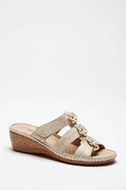 Cushion Walk Wedge Flower Mule