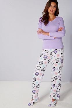 6680e08d2175 Pyjamas and Matching Slipper Socks Set