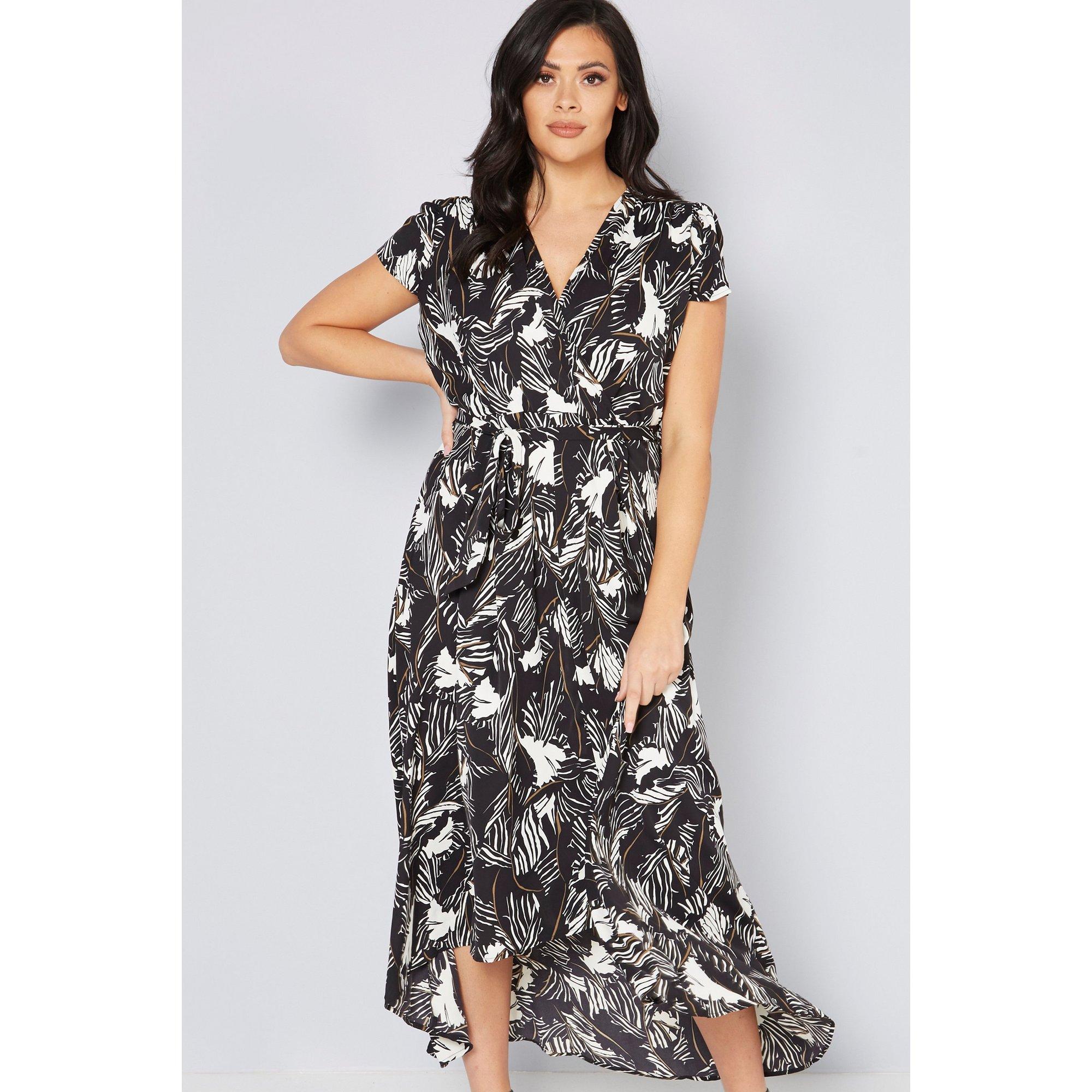 Image of AX Paris Curve Printed Dip Hem Dress