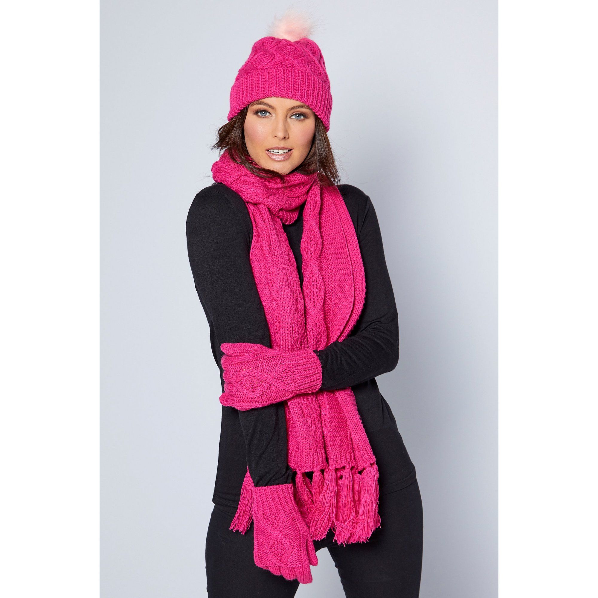 Image of 3-Piece Luxury Hat&#44 Gloves and Scarf Diamond Cable Set