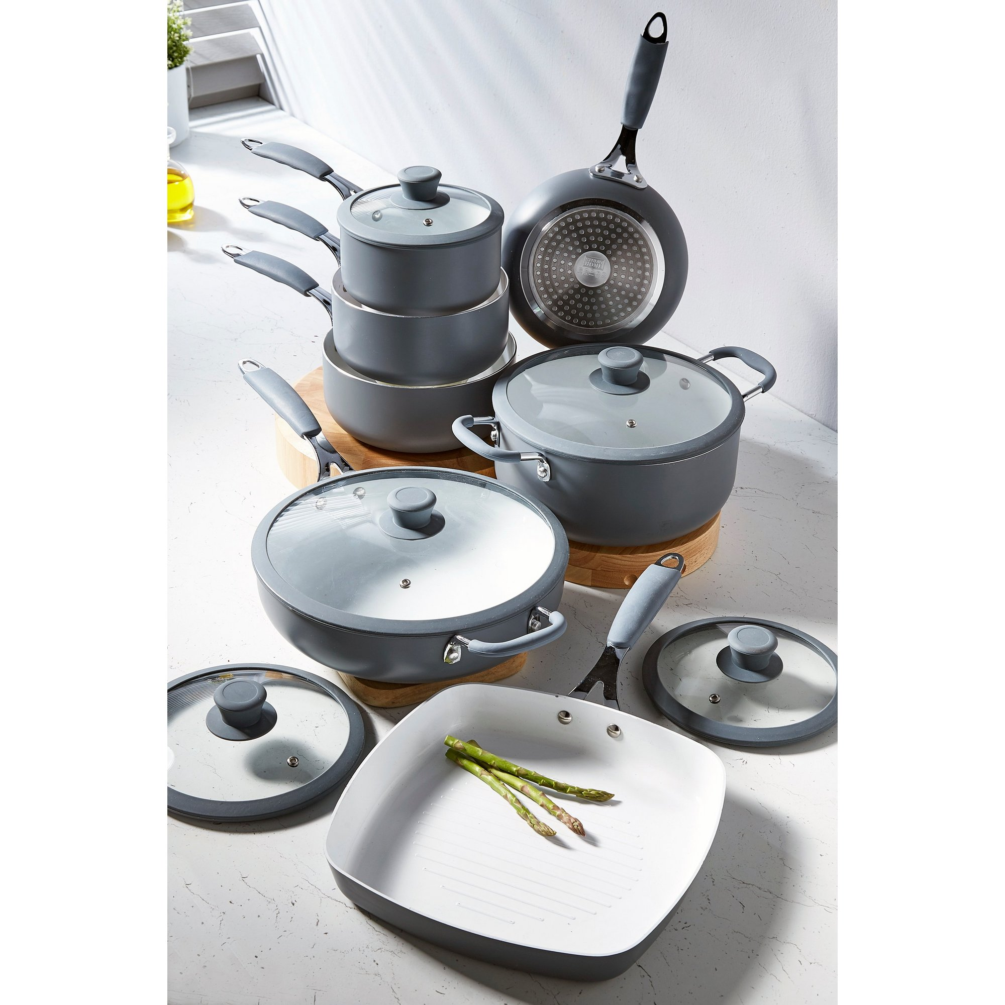 Image of 7-Piece Professional Cookware Set