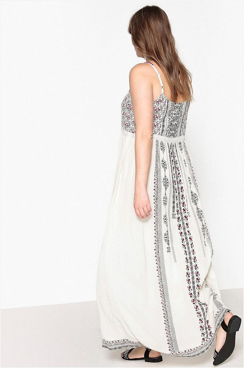 1b1c5fce9f76 Castaluna Lang kjole med smalle skulderstropper og etnisk mønster ...