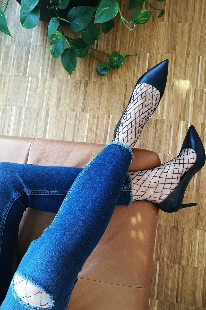 naiset sukkahousuissa Forssa