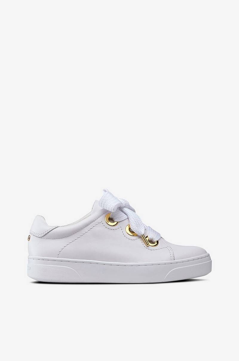 Sneakers Golden Eyelets