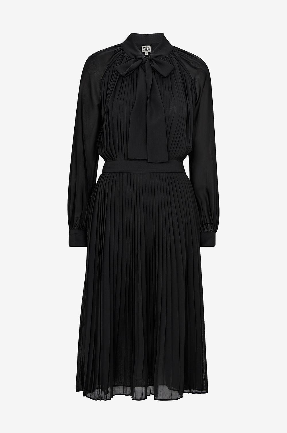 Om den inte faller dig i smaken ska du istället kika på den här klänningen  från Vero Moda (adlink) som inte är fullt så udda men fortfarande  tillräckligt ... 6c10aa0725994