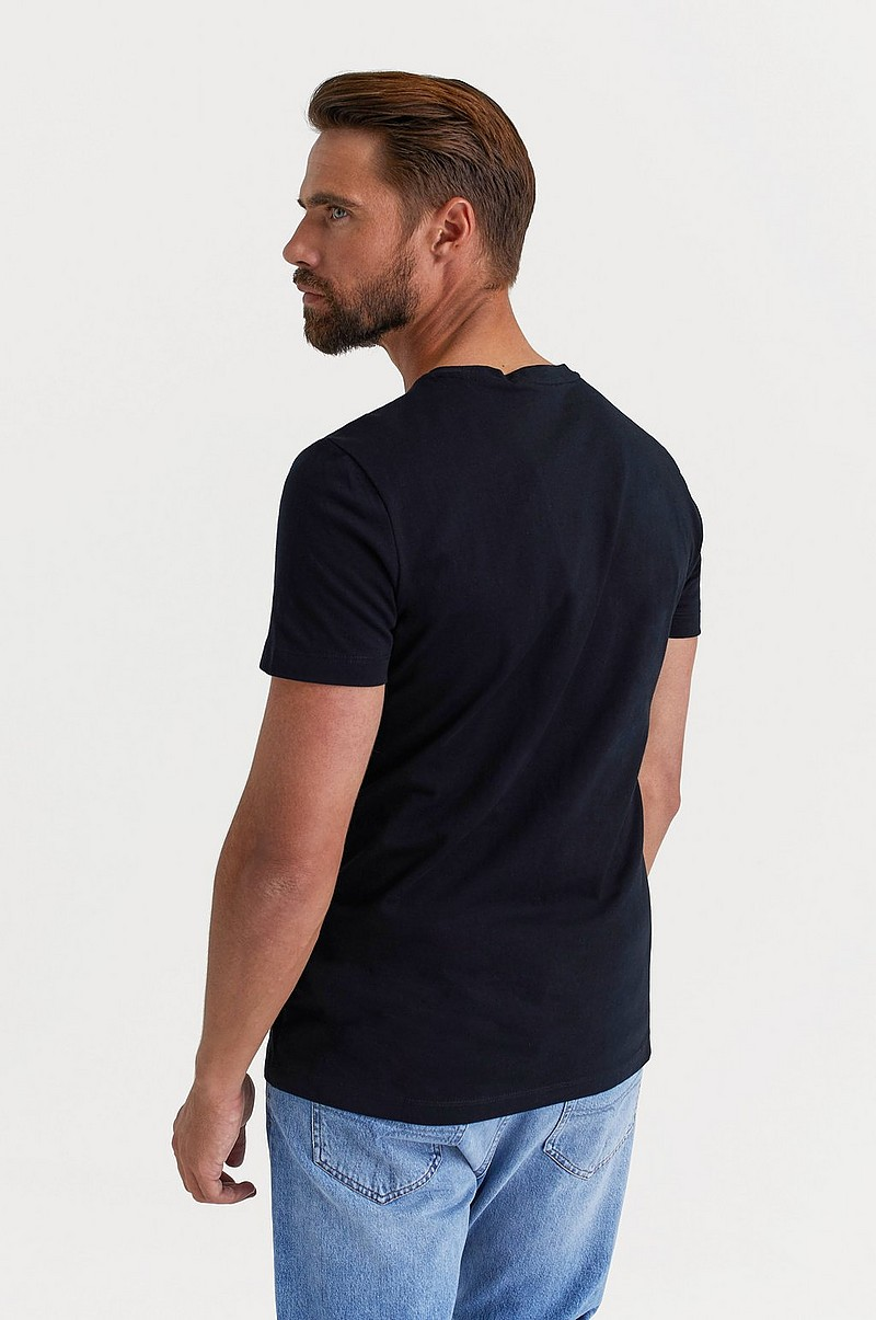 CHEST INSTITUTIONAL SLIM SS TEE