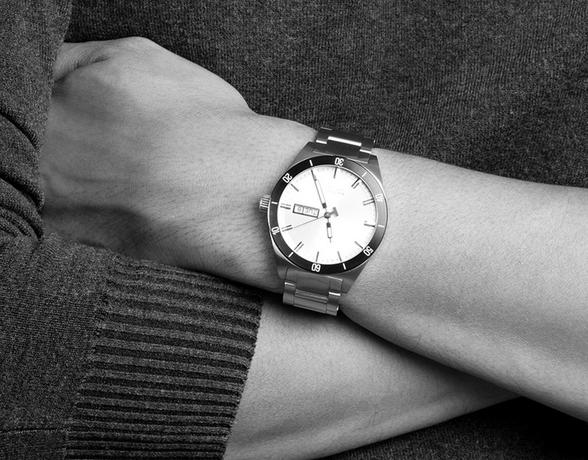 Watch Buyer's Guide at Ernest Jones