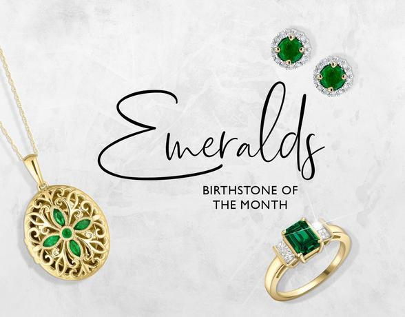 A emerald ring, necklace and earrings