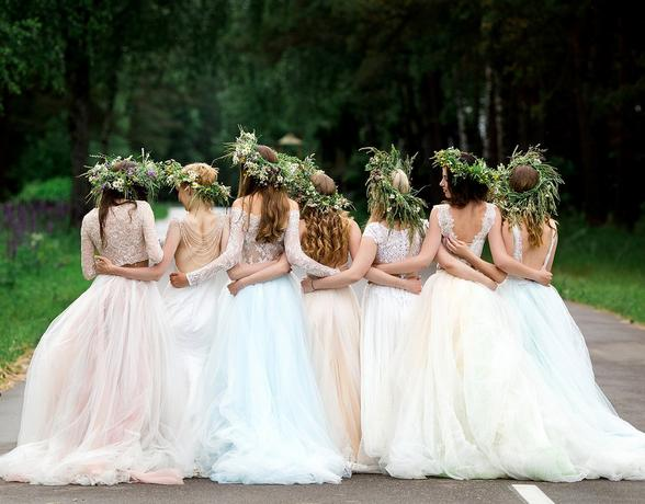 How to Beautifully Accessorise Your Wedding Gown