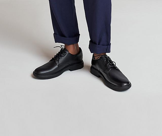 Men's classic Black leather work shoes with laces.