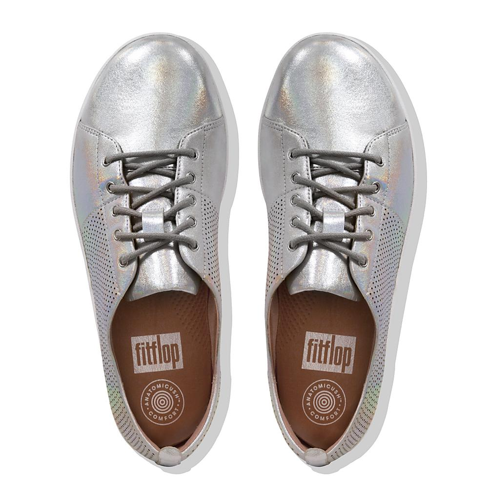 FitFlop F-Sporty Scoop-Cut Perf Sneakers - Leather Colour: Silver, SIZ