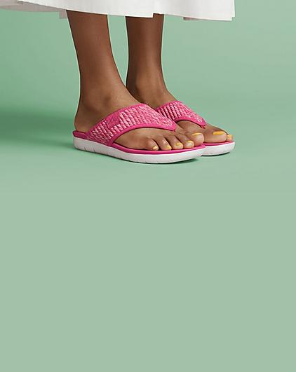 Fitflop Spring Promo featuring Pink Artknit Toe-thongs.