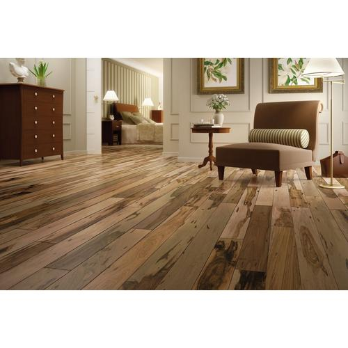 Click to zoom - Natural Brazilian Pecan Smooth Solid Hardwood - 5/8in. X 3 1/2in