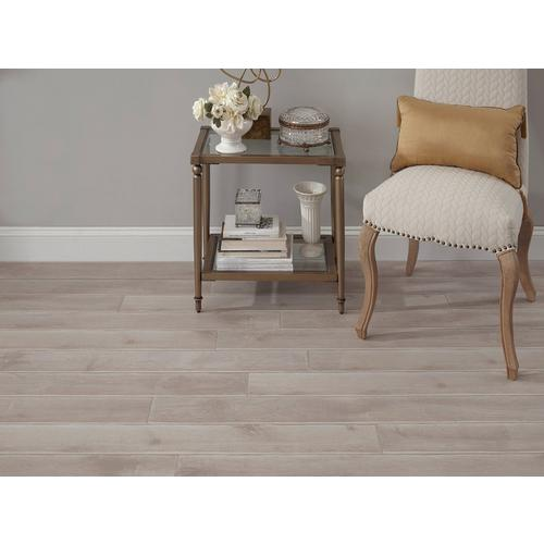 Distressed White Oak Water Resistant Laminate 12mm 100344530