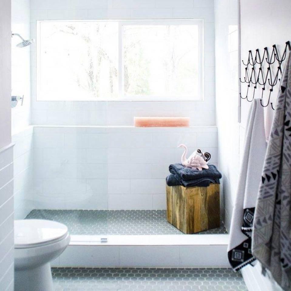 Floor And Decor Bathroom Floor Tile  from i1.adis.ws