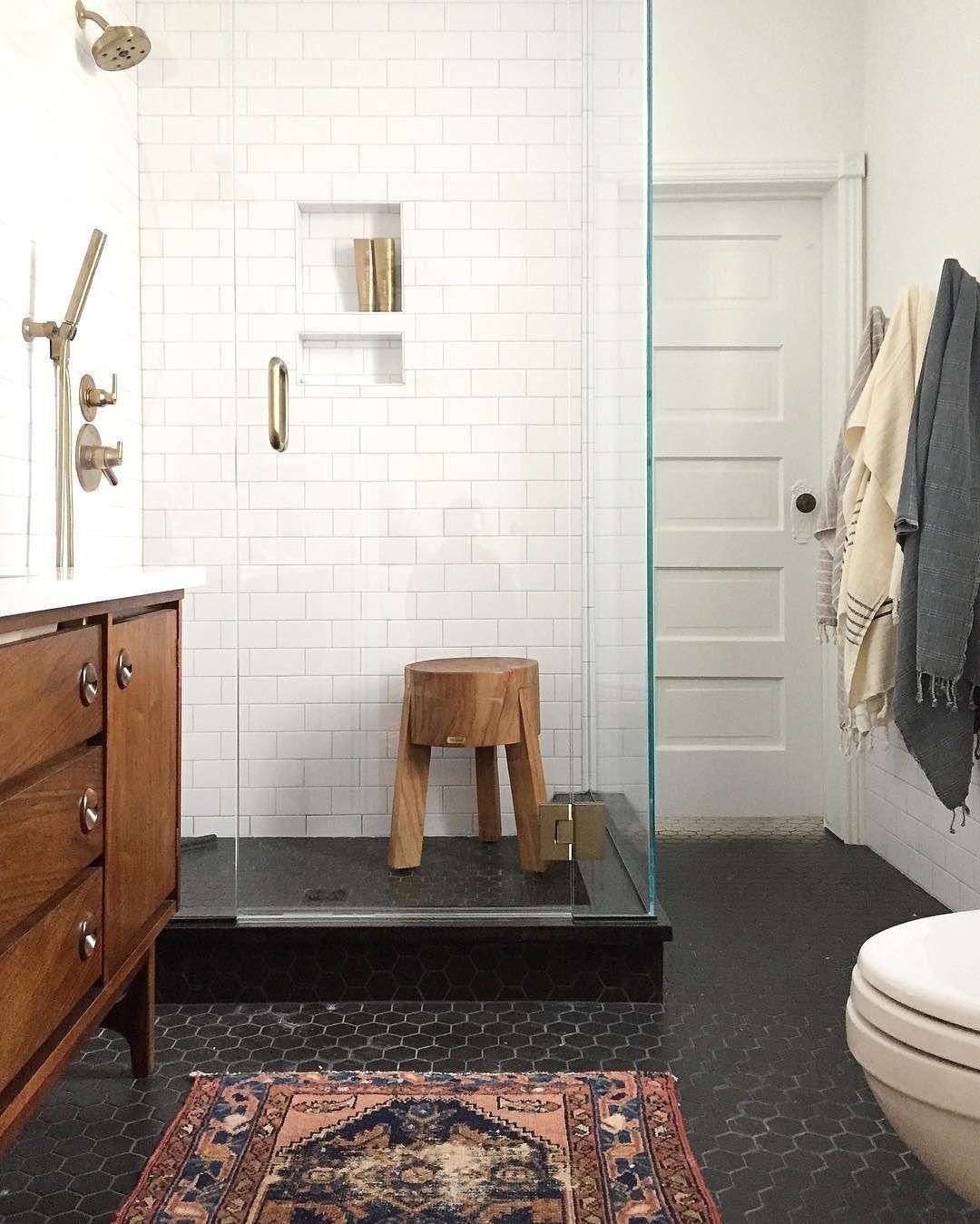 Trend Alert Bathrooms With Black White Hexagons Floor