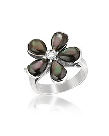 Diamond and Black Mother-of-Pearl Flower 18K Gold Ring - Del Gatto