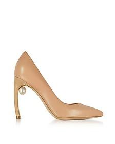 Mira Zapatos de Tacón de Cuero Nude con Perla - Nicholas Kirkwood