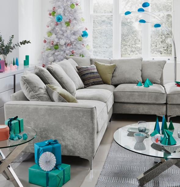 10851_christmas__living_room_legend
