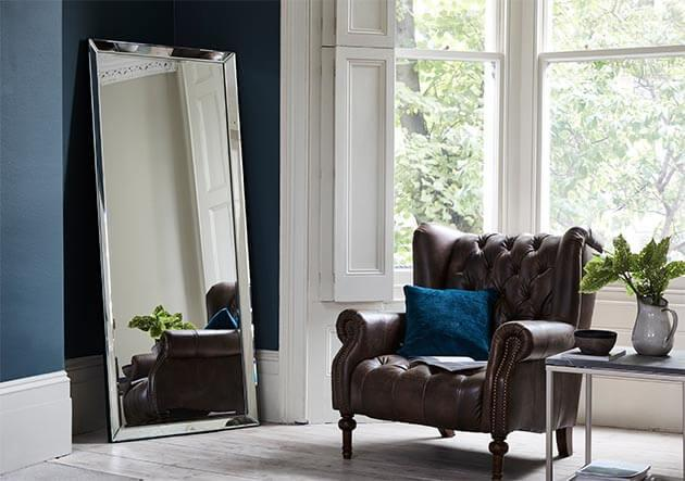 10rules_living_room_design_mirrors