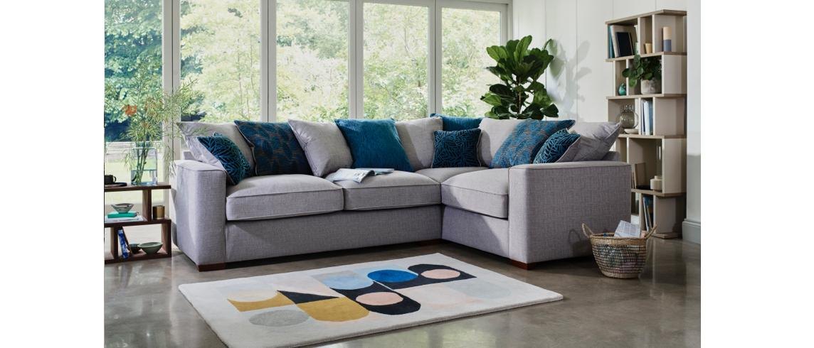 11435_Make_an_impact_with_a_striking_statement_rug_cool_colourways