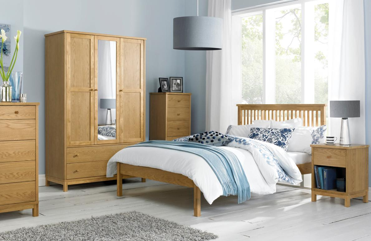 Bedroom colour scheme ideas – wooden furniture