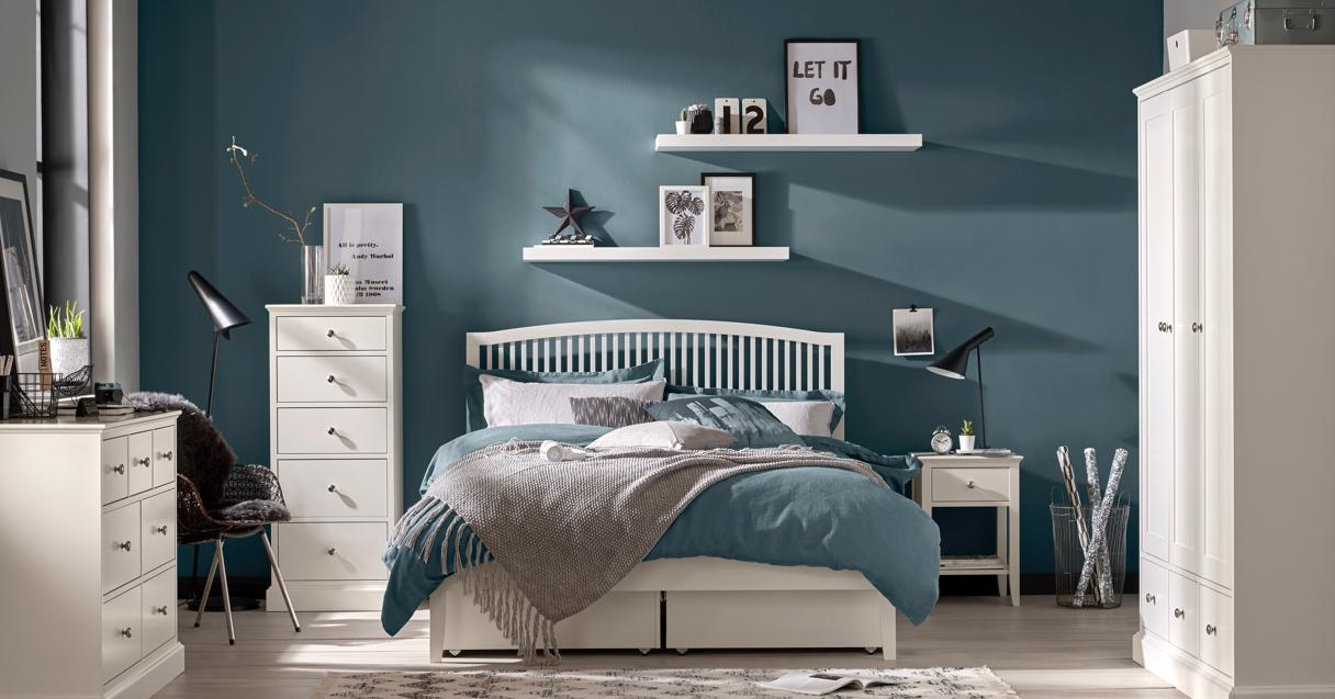 Bedroom colour ideas – white painted furniture