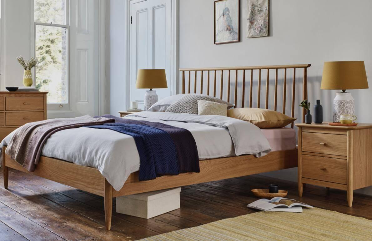 Women's bedroom – elegant Ercol wooden bed frame