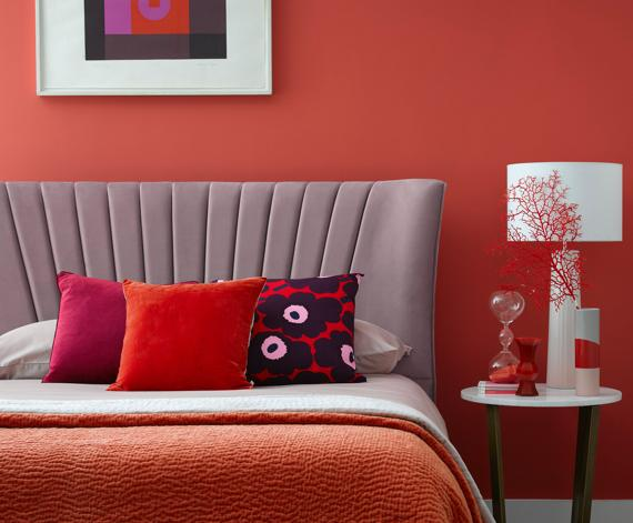 Women's bedroom ideas – pink fluted bedframe
