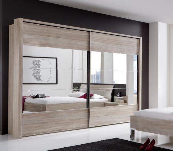 Women's bedroom – sliding door mirrored wardrobe