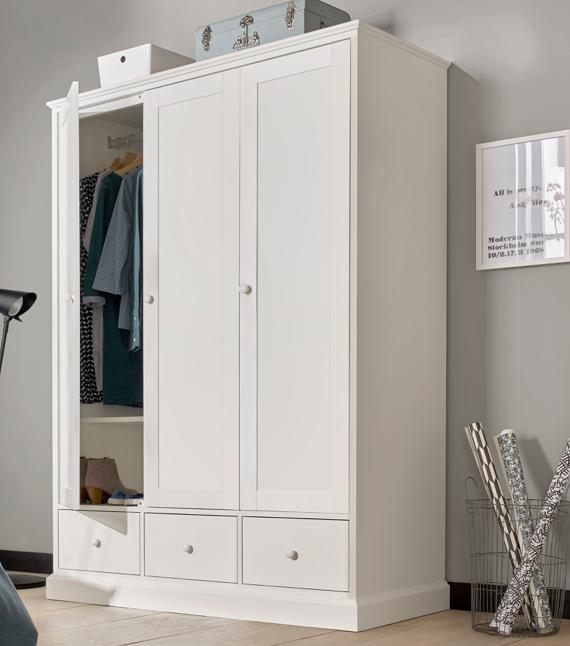 Small bedroom ideas – white triple wardrobe.