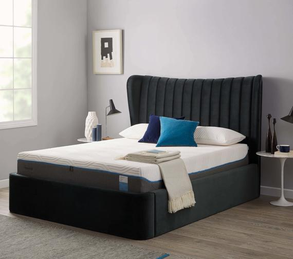 Black and white bedroom – grey ottoman bed