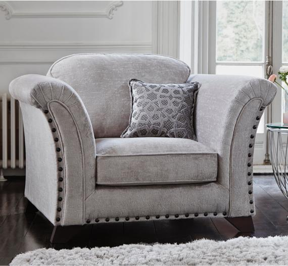 Grey and white bedroom – grey accent chair