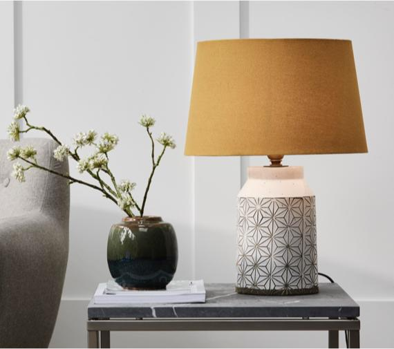 Coral interiors – ceramic table lamp