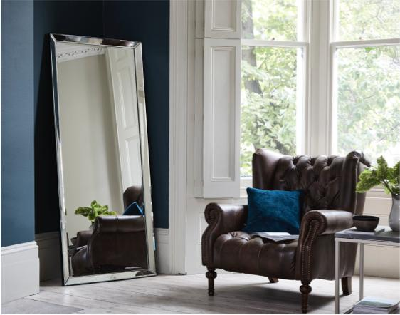 Living dining room – leaner mirror