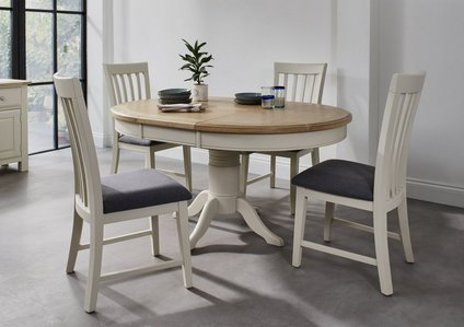 Angeles Round Extending Dining Table And 4 Wooden Dining Chairs