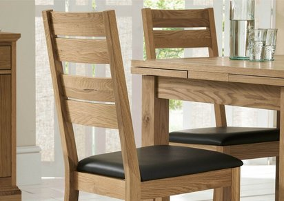 d2ead43d4c370 Compton Oak Extending Dining Table with 4 Slatted Chairs and Sideboard