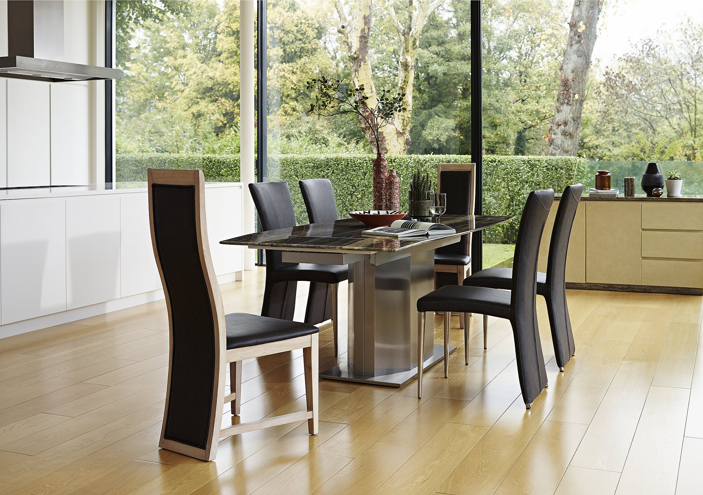 Long Island Dining Table And 4 Edison Chairs
