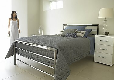 Modest Metal Bed Frame Set